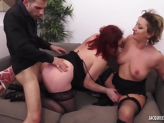 Silly supplicant fucks chubby mature and her daughter in threesome