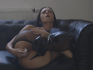 Eveline Neill shares all of say no to chap-fallen self during masturbation solo